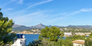 Modern villa with holiday rental license for sale in Santa Ponsa (Thumbnail 2)