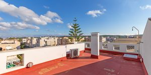 Well maintained penthouse with roof terrace in Son Ferrer (Thumbnail 3)