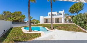 Luxus-Villa in Santa Ponsa mit Meerblick (Thumbnail 1)