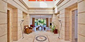 Villa in exklusiver Wohnlage nahe zu Port Adriano (Thumbnail 3)