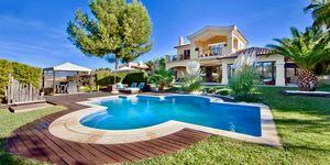 Villa in exklusiver Wohnlage nahe zu Port Adriano (Thumbnail 1)