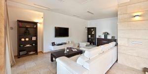 Villa in exklusiver Wohnlage nahe zu Port Adriano (Thumbnail 4)