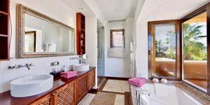 Villa in exklusiver Wohnlage nahe zu Port Adriano (Thumbnail 7)