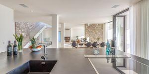 Modern villa with sea views in desirable location of Bendinat (Thumbnail 7)