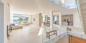 Modern villa with sea views in desirable location of Bendinat (Thumbnail 4)