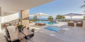 Moderní vila s výhledem na moře v žádané lokalitě Bendinatu, Malorka (Thumbnail 3)