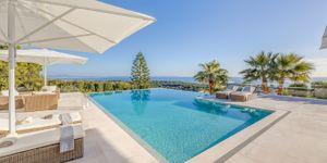 Moderní vila s výhledem na moře v žádané lokalitě Bendinatu, Malorka (Thumbnail 1)