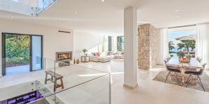 Modern villa with sea views in desirable location of Bendinat (Thumbnail 5)
