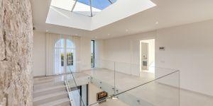 Modern villa with sea views in desirable location of Bendinat (Thumbnail 10)