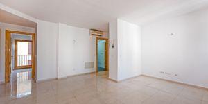 Apartment for renovation in the center of Palma de Mallorca (Thumbnail 4)
