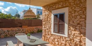 Mediterranean finca with two residential units in S\'Horta (Thumbnail 3)