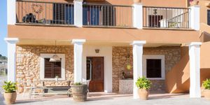 Mediterranean finca with two residential units in S\'Horta (Thumbnail 2)