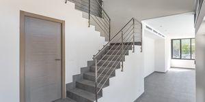 Neue Villa im modernen Stil ohne Möbel (Thumbnail 6)