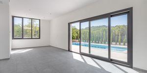 Neue Villa im modernen Stil ohne Möbel (Thumbnail 3)