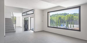 Neue Villa im modernen Stil ohne Möbel (Thumbnail 5)