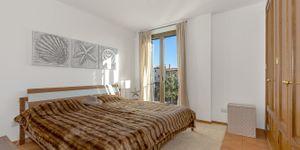 Podkrovní byt s výhledem na záliv Palma (Thumbnail 8)