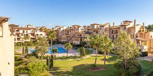 Podkrovní byt s výhledem na záliv Palma (Thumbnail 3)