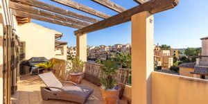 Podkrovní byt s výhledem na záliv Palma (Thumbnail 2)