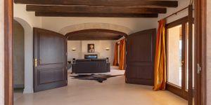 Finca in Felanitx - Luxuriöses Landhaus mit einzigartigem Blick (Thumbnail 8)
