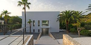 Villa in Alcudia - Modernes Anwesen mit Meerblick (Thumbnail 9)
