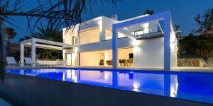 Villa in Alcudia - Modernes Anwesen mit Meerblick (Thumbnail 1)