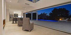 Villa in Alcudia - Modernes Anwesen mit Meerblick (Thumbnail 3)