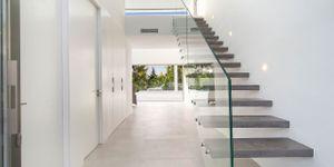 Villa in Alcudia - Modernes Anwesen mit Meerblick (Thumbnail 4)
