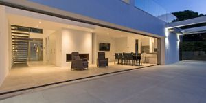 Villa in Alcudia - Modernes Anwesen mit Meerblick (Thumbnail 2)