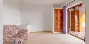 Apartment in Cala Fornells - Renovierungsbedürftige Immobilie mit Meerblick (Thumbnail 4)