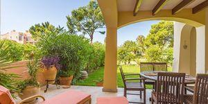 Sonnige Gartenwohnung nahe zu Port Adriano (Thumbnail 2)