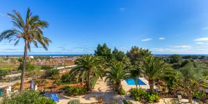 Mediterranean finca with sea views in Portocolom (Thumbnail 1)