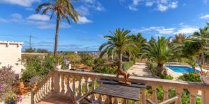 Mediterranean finca with sea views in Portocolom (Thumbnail 4)