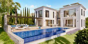 Neubau Luxus Villa nahe Port Adriano (Thumbnail 1)