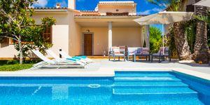 Villa in Sa Coma - Chalet mit Pool und Ferienvermietlizenz (Thumbnail 2)