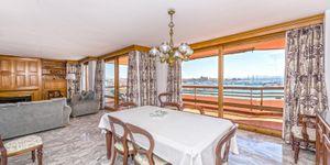 Spacious apartment with harbor views in Palma (Thumbnail 3)