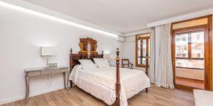 Spacious apartment with harbor views in Palma (Thumbnail 8)