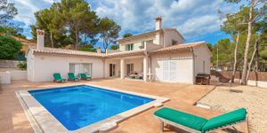 Villa in Südlage nahe zu Port Adriano (Thumbnail 1)