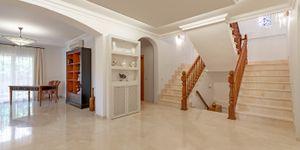 Elegant villa for sale in Nova Santa Ponsa (Thumbnail 8)