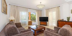 Elegant villa for sale in Nova Santa Ponsa (Thumbnail 4)