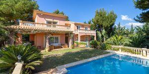 Mediteránská vila s bazénem na prodej na Malorce (Thumbnail 1)