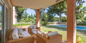 Mediteránská vila s bazénem na prodej na Malorce (Thumbnail 2)