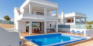 Villa in Cala D´Or - Modernes Chalet mit Ferienvermietlizenz (Thumbnail 1)