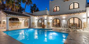 Villa in Sol de Mallorca - Komplett sanierte mit Meerblick (Thumbnail 1)