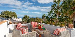 Kompletně zrenovovaná vila s výhledem na moře v Sol de Mallorca (Thumbnail 2)