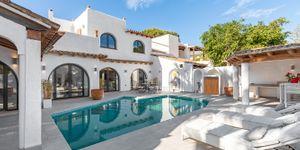 Kompletně zrenovovaná vila s výhledem na moře v Sol de Mallorca (Thumbnail 3)