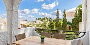 Reihenhaus in Sol de Mallorca - Modernisiertes Chalet mit Meerblick (Thumbnail 2)