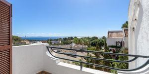 Modernized townhouse with sea views in Sol de Mallorca (Thumbnail 2)