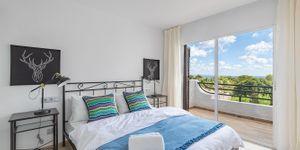Modernizovaný dům s výhledem na moře v Sol de Mallorca (Thumbnail 10)