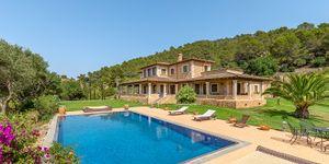 Beautiful villa with large pool in Santa Magdalena (Thumbnail 1)