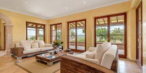 Beautiful villa with large pool in Santa Magdalena (Thumbnail 4)
